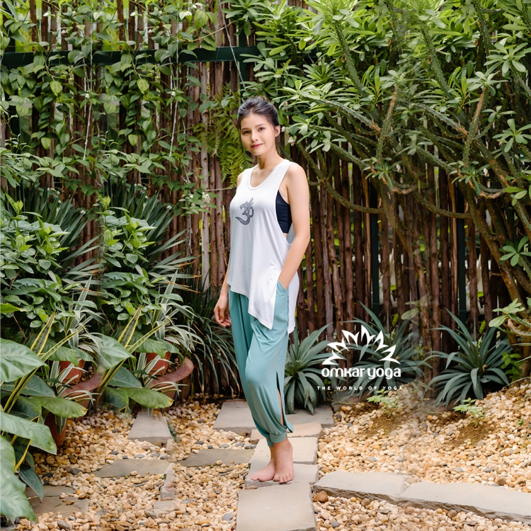 Quần tập Yoga ống rộng xẻ sườn màu xanh bạc hà