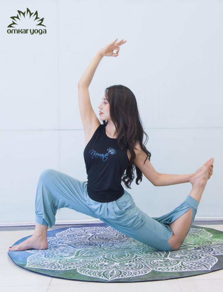 Quần tập Yoga ống rộng xẻ sườn